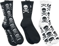 - pack of 3 - skull design - 90% cotton, 9% polyester, 1% elastane  These Skull Sox socks are the perfect solution for those who are bored with their feet. Because with these Skull Sox, as the name implies, skulls determine the look. In a pack of 3 you get the whole range from awesome to rather discreet.