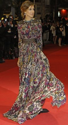 I hate Sarah Jessica Parker, but this dress by Elie Saab is ridiculously gorgeous