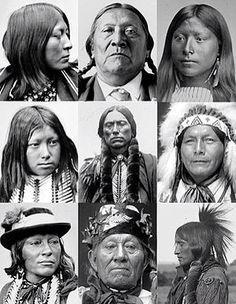 De Comanche is één van de oorspronkelijke indianenvolken van Noord-Amerika. Ze hebben zich circa 1700 afgesplitst van de Wind River Shoshoni, ofwel Oostelijke Shoshone. De naam is een exoniem; zelf noemen ze zich Neme-ne.Het leefgebied van de Comanche strekte zich uit van het huidige New Mexico, gedeeltes van Texas, Oklahoma, tot het zuiden van Colorado en Kansas. In zijn hoogtijdagen telde het volk waarschijnlijk zo'n 20.000 leden. Tegenwoordig leven er nog rond de 10.000. Het merendeel van…