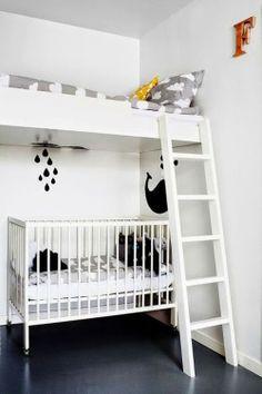 Ideas para espacios pequeños. Cuna + cama en altillo.