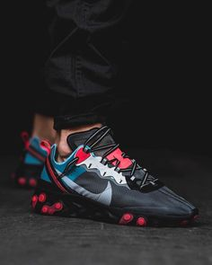 Here are our top 16 Sneakers that have been released in the past few ears but have remained the best looking shoes our right now that anyone should have in their collection. Mens Fashion Shoes, Nike Fashion, Sneakers Fashion, Men's Fashion, Fashion Styles, Cheap Fashion, Fashion Trends, Hype Shoes, Men's Shoes