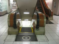 speaking of Famous Barr. this is the escalator in the downtown Famous store. These things used to scare the bejeezus out of me. One of you guys almost always had to help me get on them.