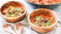Rychlý bramborový guláš - Proženy Thai Red Curry, Serving Bowls, Tableware, Ethnic Recipes, Fit, Kitchen, Dinnerware, Cooking, Shape