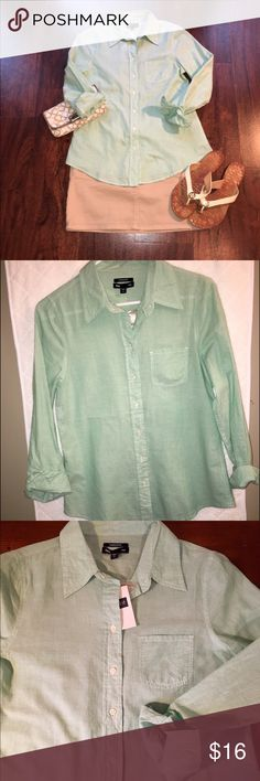Gap Green Button Down Shirt ✔️New with Tags ✔️Small Front Pocket ✔️Full Length Sleeve ✔️Boyfriend Fit ✔️Green Color Closest to Picture #2 GAP Tops Button Down Shirts