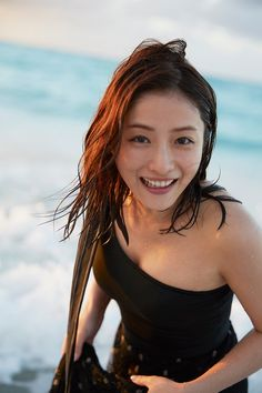Everyone who loves Satomi Ishihara! Both the drama and the photo book are the best!- You can feel like two people on the beach, everyone who loves Satomi Ishihara! Both the drama and the photo book are the best! Japanese Men, Japanese Models, Japanese Beauty, Japanese Girl, Asian Beauty, Beautiful Asian Women, Beautiful Celebrities, Asian Woman, Asian Girl
