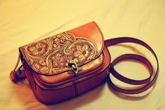 Luxurious Vintage Handcrafted Tanned Leather Manual Carving Shoulder Bag 100Percent Leather Sculpture Handbag Orange Leather Engraving, Leather Carving, Leather Tooling, Cow Leather, Handmade Wallets, Leather Flowers, Leather Bags Handmade, Leather Accessories, Saddle Bags