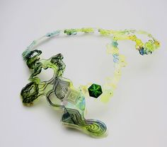 Wang Qjan. Necklace: Untitled, 2016. Acrylic, polypropylen, nylon, copper,3D printing, laser cutting. Awarded at: PREZIOSA Young Design Competition 2017.