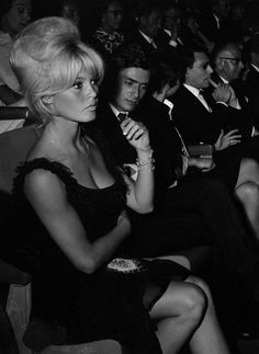 Brigitte Bardot and boyfriend Sami Frey attending the premiere of Le Repos du Guerrier in Paris, September 5, 1962.   Larger:  https://s-media-cache-ak0.pinimg.com/736x/c8/3b/46/c83b461258255f182ae99bdbdeb8381e.jpg