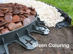Best4Garden No-Dig Recycled Lawn Edging Economy - Green 60mm - Easy installation with pegs supplied - Straight Shape, also can be shaped to any curves - Safe and flexible plastic edging - Creates a crisp defined separation - Can be used to edge turf, flower beds, brick paths, trees, Gravel, Bricks, Slate or any aggregates driveways and pathways - Available in range of packs sizes. (1, No extra nails)