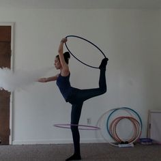 Because sometimes you get bored when practicing balance #hooper #hulahoop #hulahoopers #hoopgirls #girlsthathoop #ighoopers #hoopersofinstagram #hoopersofig #ichoopers #hooplah #hooplove #hooplife #hooplifeforever #hoopeverydamnday #hoopflow #flowarts #vapefam #vapehoopers #hoopersthatvape #vapecommunity #vapeclouds #girlsvapehard #girlswhovape #girls2vape #hoodrichvapers #vapemodels #vapegirls by missspin