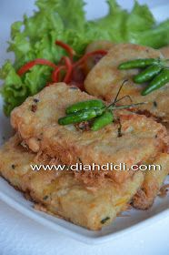 Diah Didi's Kitchen: Misoa Goreng Ayam Savory Snacks, Easy Snacks, Snack Recipes, Easy Meals, Cooking Recipes, Indonesian Desserts, Indonesian Cuisine, Indonesian Recipes, Misua Recipe