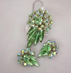 $39 Vintage JUDY LEE Green Rhinestone Pin Brooch and Clip On Earrings Set