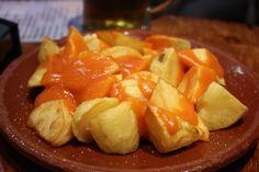 Necesitamos Patatas confitadas 300 gramos de aceite de oliva virgen extra 1 diente de ajo 3 patatas lavadas (cortadas en troz...