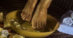 Soaking Feet in Apple Cider Vinegar for 15 Minutes Has Incredible Benefits