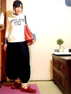 古着のパンツの裾にゴムを入れてあります。 ラピュタのシータがドーラに着せて貰ったパンツの形が可愛いの