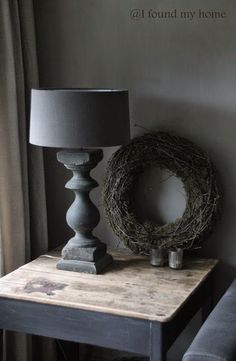 Grey on grey decorating - simple, chic. Rustic Chic, Country Chic, Rustic Decor, Luberon Provence, French Decor, Wabi Sabi, Home Accents, Home And Living, Interior Inspiration