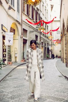 because in Florence Italy, street style has always been an integral part of the landscape............(f.y.i., beautiful fashion ensemble from; Nichole Warne)