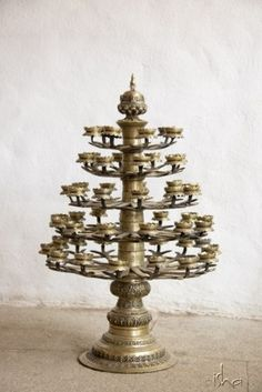 Antique brass 108 lamp