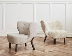 Initially introduced back in the Little Petra Lounge Chair won instant praise at the Copenhagen Cabinetmakers Guild Exhibition. Petra, Home Furniture, Furniture Design, Chair Design, Buy Chair, Lounge Seating, Chair And Ottoman, Contemporary Interior, Luxury Interior