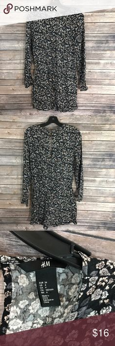 H&M Romper Short Outfit Floral Long Sleeve Pockets Measurements: (in inches) - Underarm to underarm: 16 - Length: 31 Good, gently used condition H&M Other