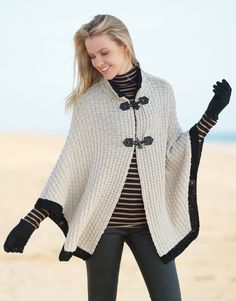Book Woman Basics 7 Autumn / Winter | 25: Woman Cape | Light beige / Black