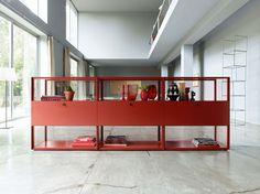 Tendencias para el mueble alemán en imm cologne. Este mueble rojo puede cambiar el espacio de tu casa, dándole mucho más vida.