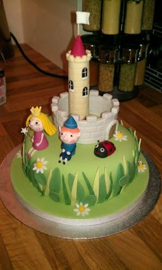 Ben and Holly - Cake by Tinalou77