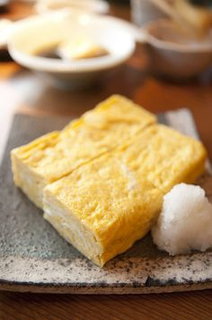 Japanese Food Tamagoyaki (Atsuyaki Tamago), Thick Rolled Omelet with Daikon Oroshi (Grated White Radish) on Side|小松庵の厚焼き玉子
