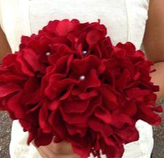 Lovey red bouquet  Simple & Beautiful Elegant&Modern