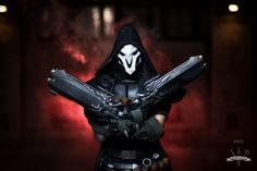RPF member Juakie (Michal from Crafts of Two ) cosplayed as Reaper from Overwatc...