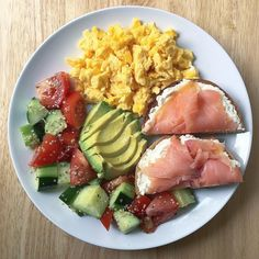 Starting off the new week with pasture raised scrambled eggs cooked in ghee with half a toasted whole grain bagel topped with almond milk cream cheese and smoked salmon, avocado slices a Healthy Meal Prep, Healthy Breakfast Recipes, Healthy Snacks, Healthy Eating, Healthy Recipes, Breakfast Ideas, Breakfast Toast, Breakfast Cereal, Diet Breakfast