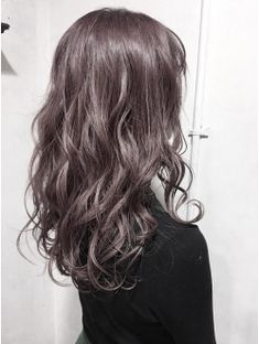 Aimee スモーキーピンクアッシュ Medium Hair Cuts, Medium Hair Styles, Curly Hair Styles, Digital Perm, Ulzzang Hair, Brown Hair Shades, Japanese Hairstyle, Permed Hairstyles, Good Hair Day