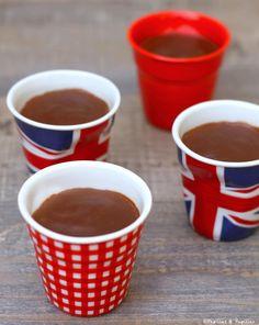 Petits pots de crème au chocolat Flan, Mousse, Sweet Tooth, Gluten, Cooking, Tableware, Recipes, Pot De Creme, Homemade Chocolate