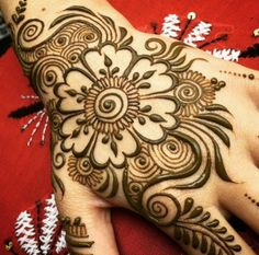 10 Creative Henna Flower Tattoo Designs