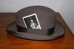 Hans Peter Feldmann, Hat with photograph, 2007