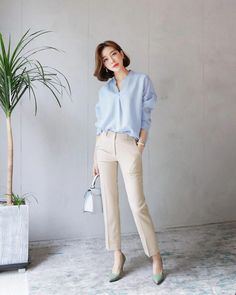 Korean fashion has been trending for many years, and it's for good reasons. With Korean's approach to outfits, accessories, and shoes, it is no doubt how many people search for Korean fashion trends for great looks. Classy Work Outfits, Office Outfits Women, Business Casual Outfits For Women, Mode Outfits, Corporate Attire Women, Business Outfits, Business Women, Stylish Outfits, Korean Fashion Summer