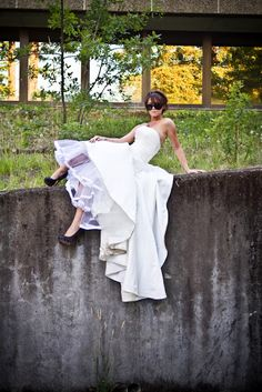 Fun modern bride bridal gown dress with Jennifer Bagwell Photography & The Frosted Petticoat