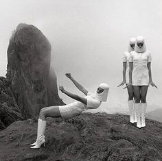 space age fashion by Pierre Cardin. space age fashion by Pierre Cardin. Pierre Cardin, Space Photography, Fashion Photography, White Photography, 1960s Costumes, Burlesque Costumes, Space Tourism, Space Outfit, Space Fashion