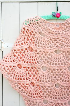 Pretty pink shawl by Vanessa @ Coco Rose Diaries - free charted pattern: http://www.mypicot.com/club/2012/11/18/some-ideas-for-accessories-stitch-pattern/#post-new