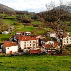 Amaiur/Maya, un enclave precioso en el valle de Baztán, #Navarra  (By ae32maje - #Instagram) Saber más... --> http://www.turismo.navarra.es/esp/organice-viaje/recurso/Localidades/1837/AmaiurMaya.htm