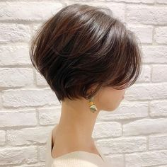 32 Layered Bob Hairstyles : Add These Hot Layers to Your Haircut Now - Style My Hairs Popular Short Haircuts, Short Bob Haircuts, Layered Bob Hairstyles, Pretty Hairstyles, Japanese Short Hair, Color Del Pelo, Bobs For Thin Hair, Shot Hair Styles, Hair Flip