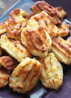 Cheesy Cauliflower Tater Tots - Click for Recipe