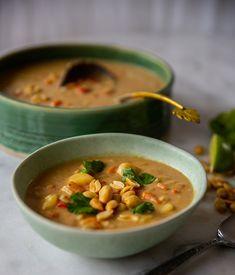 Sopa de mani- Ecuadoriansk/Boliviansk soppa på Zeinas vis - ZEINAS KITCHEN Couscous Salat, Zeina, Chana Masala, Cheeseburger Chowder, Vegan Recipes, Vegan Food, Ethnic Recipes, Bolivia, Ecuador