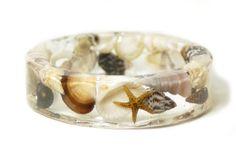 Round Seashell Resin Bangle