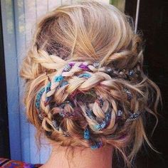 Looking for some beautiful bohemian braids to style your hair with? These 20 great styles are timeless and work for many different occasions. Bohemian braids are romantic, soft, fun, funky and can My Hairstyle, Boho Hairstyles, Pretty Hairstyles, Hair Updo, Hairstyle Tutorials, Hairstyle Ideas, Festival Hairstyles, Wedding Hairstyles, Bun Tutorials