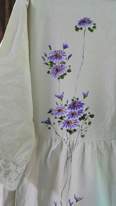 광목원피스에 구절초 : 네이버 블로그 Dress Painting, Fabric Painting, Fabric Art, Fabric Paint Shirt, Paint Shirts, Hand Painted Dress, Hand Painted Fabric, Painted Hats, Painted Clothes