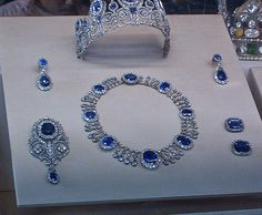 French Crown Jewels which Marie Antoinette probably wore, now displayed in the Louvre, Paris.. #SapphireParueMarieAntoinette