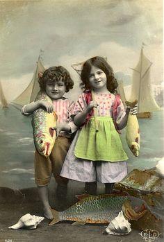 "Vintage Postcard - ""Poisson d'avril"""