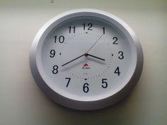 joustava työ aika Clock, Wall, Home Decor, Watch, Decoration Home, Room Decor, Clocks, Walls, Home Interior Design