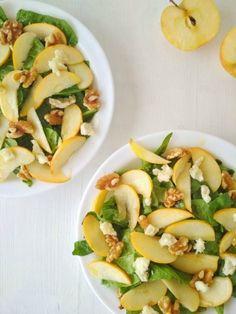 ensalada de espinacas manzana y queso de cabra Mexican Food Recipes, Healthy Recipes, Healthy Food, Caprese Salad, Cantaloupe, Zucchini, Salads, Food And Drink, Tasty